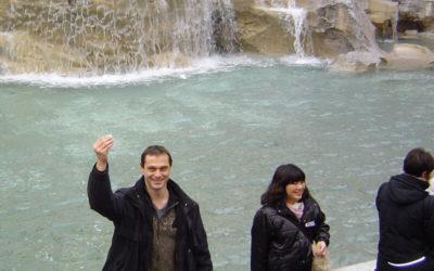 Il lancio delle monetine nella Fontana di Trevi