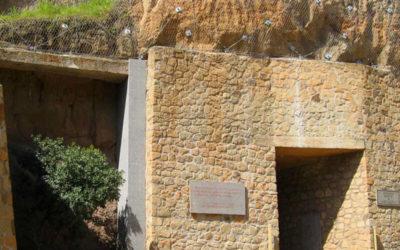 Una visita alle Fosse Ardeatine per l'anniversario della Liberazione