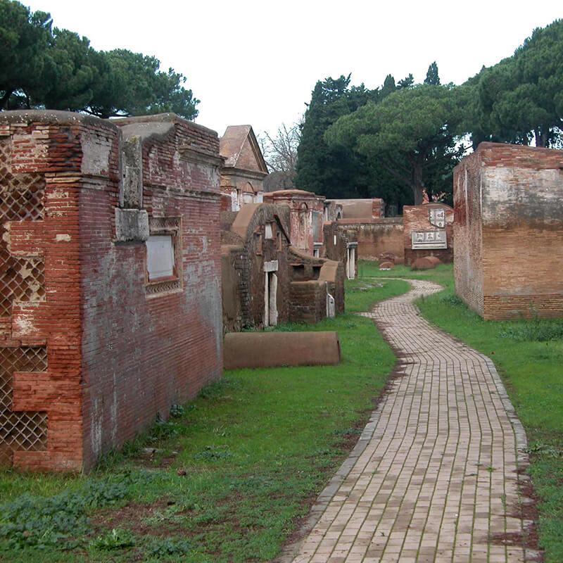 RomaGuideTour - Visite guidate a Roma | Parco Archeologico di Ostia Antica: abitazioni e domus